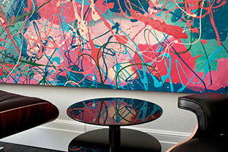 Edward Dwurnik : Paintings in interiors