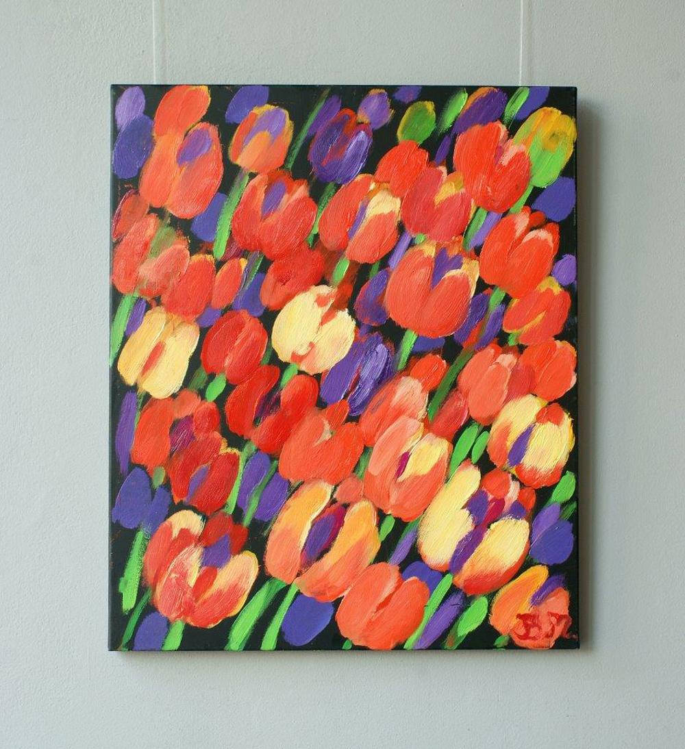 Beata Murawska : Tulips with violet background