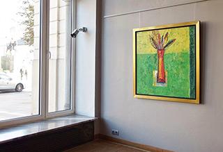 Darek Pala : Vase on a green table : Oil on Canvas