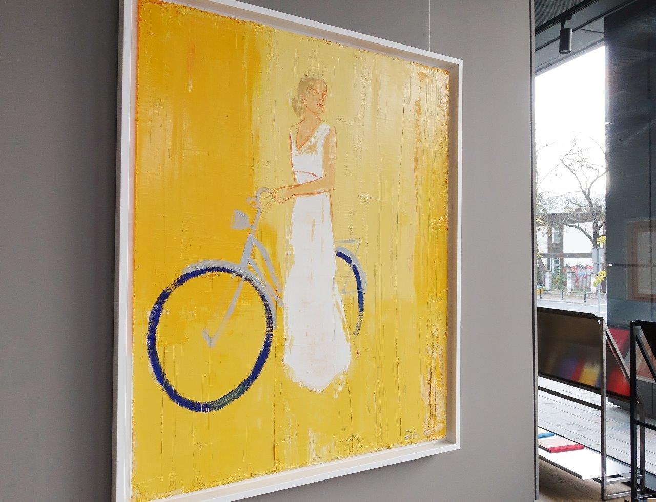Jacek Łydżba : Cyclist in a white dress