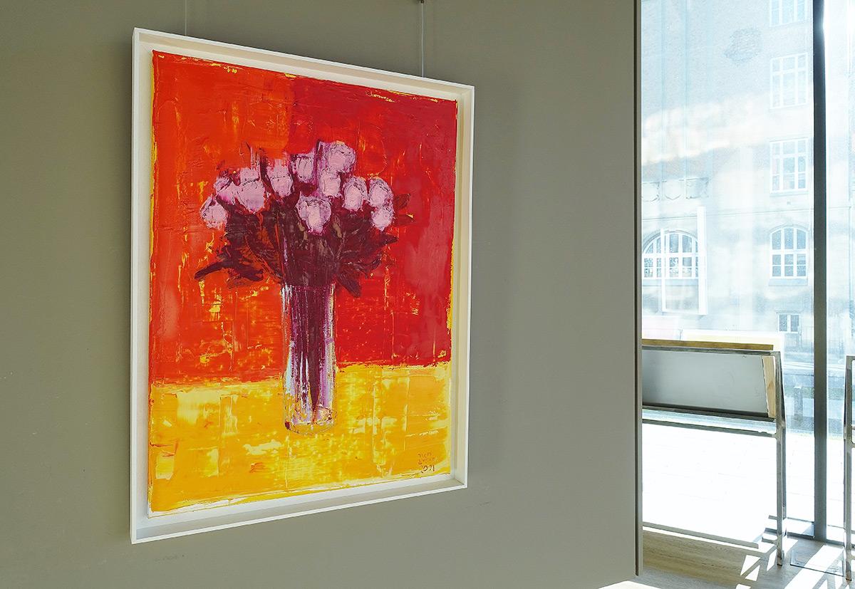 Jacek Łydżba : Flowers in a vase on a red background
